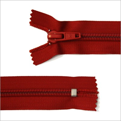 Breiter Kunststoff Reißverschluss, rot, 16 cm