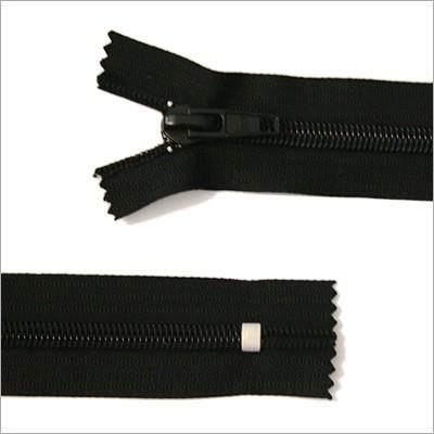 Breiter Kunststoff Reißverschluss, schwarz, 18 cm
